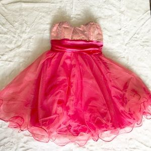 Gorgeous pink SPEECHLESS mini dress